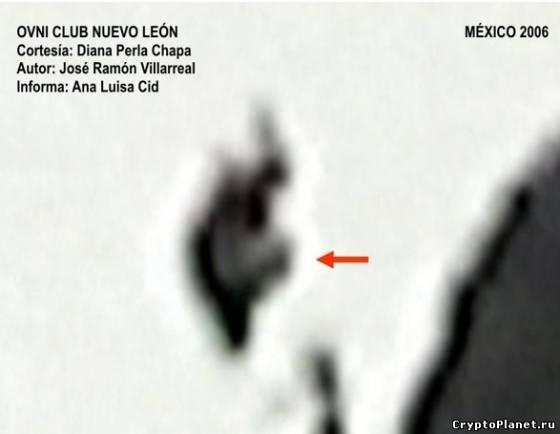 Фигура, летящая в небе в северном предгорье Серро-де-лас-Митрас