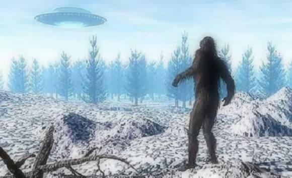 Снежный человек провожает взглядом НЛО